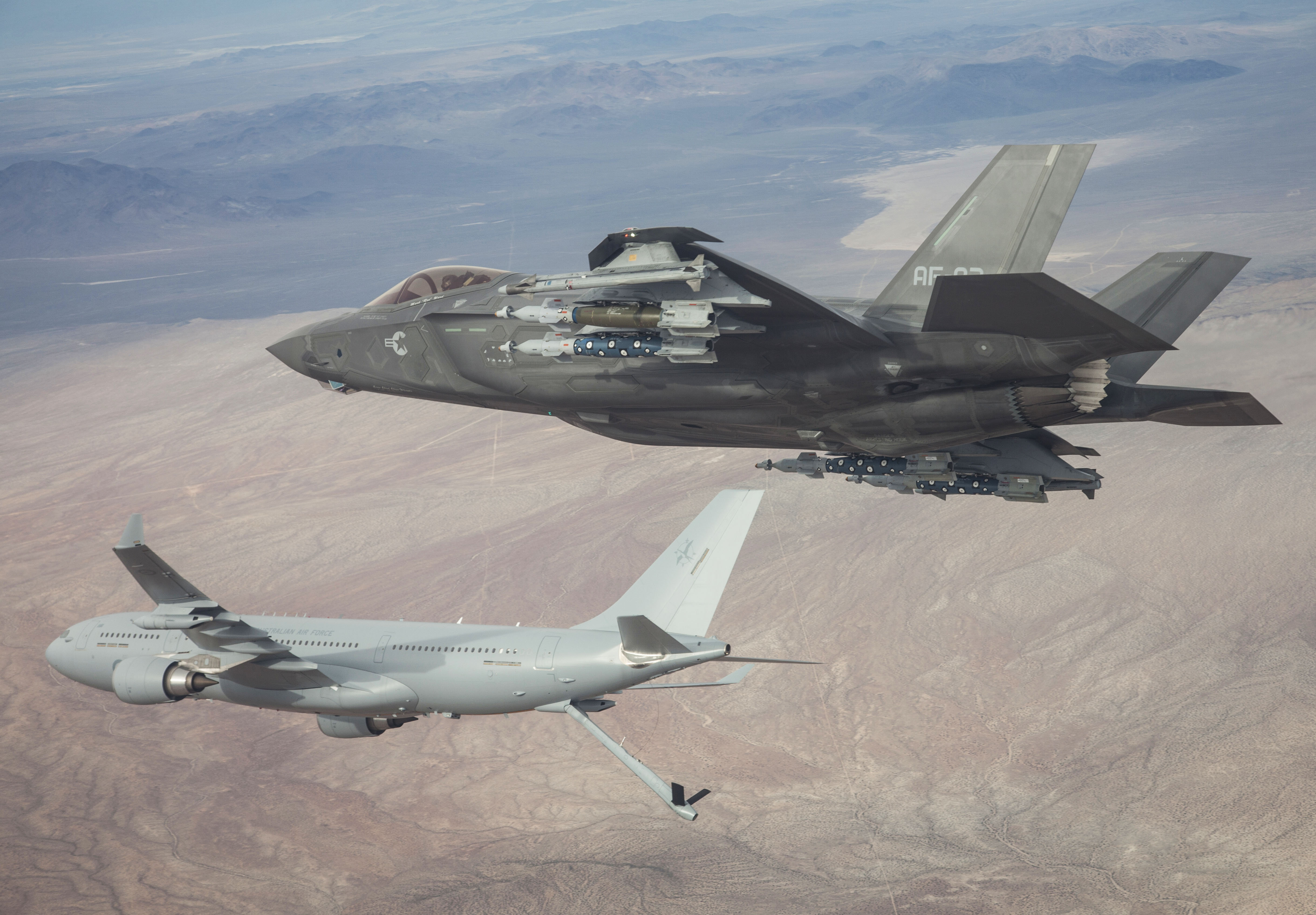 Royal Air-to-air refuelling trials between KC-30A Multi-Role Tanker ...