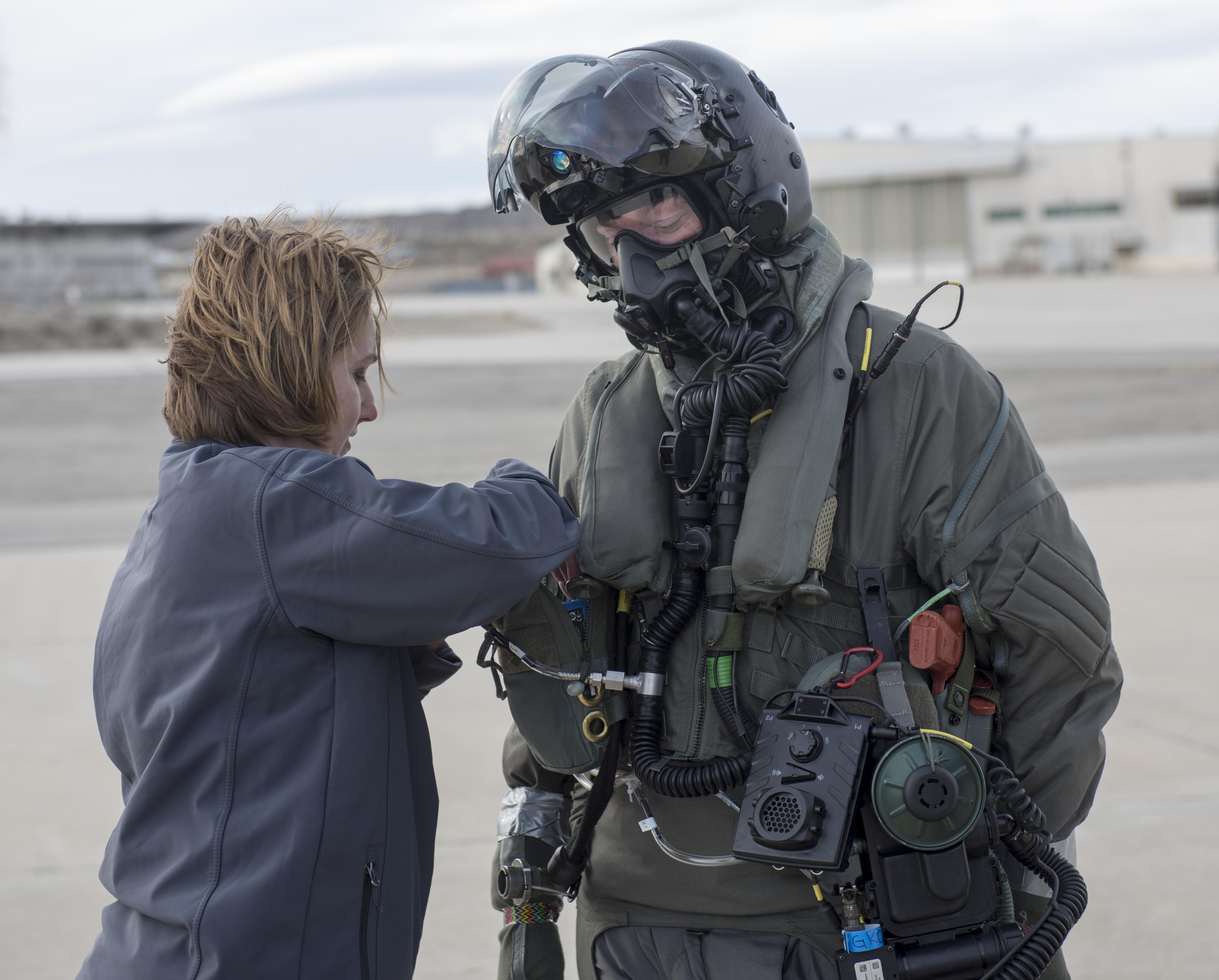 Alert 5 187 This Outfit Will Protect F 35 Pilots From